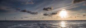 Kitesurfer auf der Nordsee vor St Peter-Ording