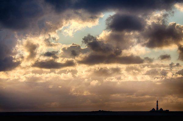 Leuchtfeuer Westerheversand in der Abendsonne