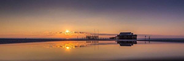 Sonnenuntergang an der Strandbar 54 Grad Nord in SPO